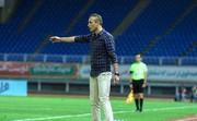 گلمحمدی: تعویق بازی به استقلال کمک زیادی کرد/ کیروش توضیح دهد چرا بازیکن نیمکتنشین، مصدوم و ته جدولی را دعوت میکند