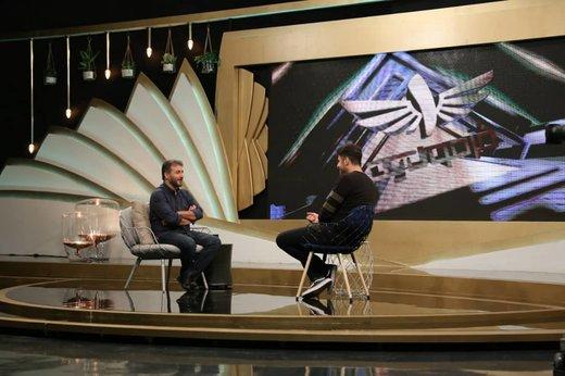 جواد هاشمی: مذهبیام اما جین میپوشم/ با همه رئیسجمهورها عکس دارم