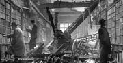عکس | نمایی تاثیرگذار از یک کتابخانه پس از بمباران در جنگجهانی دوم