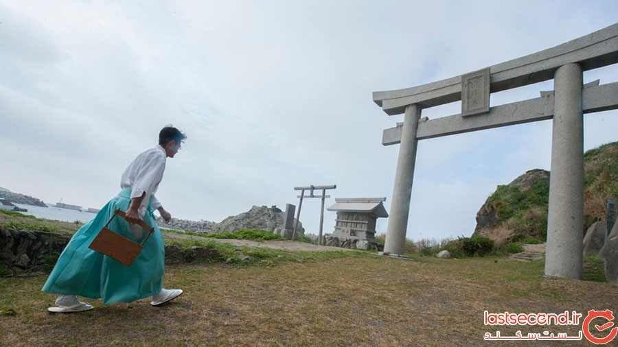جزیره ای در ژاپن که ورود زنان به آن ممنوع است