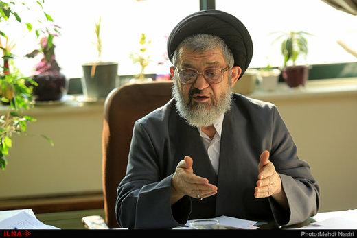 اکرمی: برخی حرفها در مجلس گفتنی نیست/ ضایعات اقتصادی از ضایعات جراحی به مراتب سنگینتر است