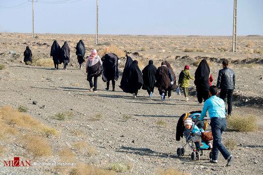 پیاده روی زائران امام رضا(ع) از سبزوار به مشهد
