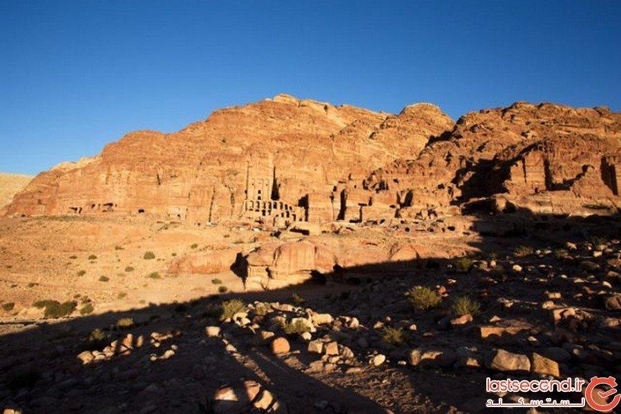کشف اولین کتاب کمیک در شهر مردگان اردن