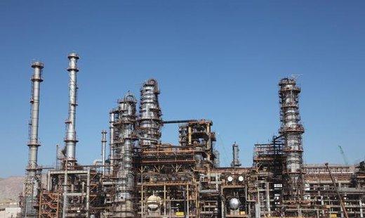 تا یک ماه آینده انجام می شود:  تولید روزانه ۱۰۰میلیون لیتر بنزین در کشور