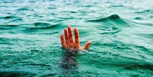 سقوط پسر ۱۰ ساله در آبشار نیاسر کاشان