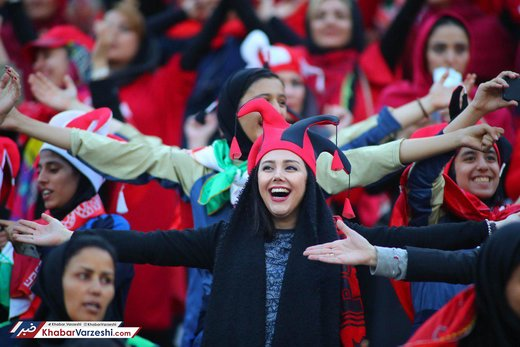 حضور پرشور بانوان پرسپولیسی در ورزشگاه آزادی