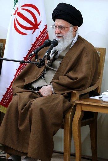 دیدار اعضای کنگرهی بزرگداشت شهدای استان قزوین با رهبر انقلاب اسلامی