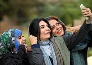 سلفی لیندا کیانی با شبنم فرشادجو در پشت صحنه یک فیلم