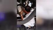 فیلم | نجات معجزهآسای یک مرد از له شدن زیر چرخهای قطار