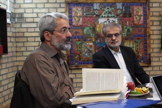 سلیمینمین: عارف را ازبادامچیان اصولگراتر میدانم   صوفی: نگران انتخابات آیندهام