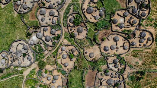 دهکده کاراموجا در اوگاندا