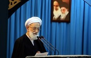 امام جمعه تهران: دشمن میخواهد دختران ما را بی بندوبار و ولگرد کند/حضور ۲۰میلیونی در راهپیمایی اربعین برای دشمن سنگین است