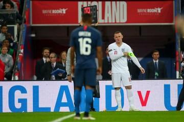 خداحافظی رونی از بازیهای ملی/ تقدیر ویژه با بازوبند و پیراهن شماره ۱۰