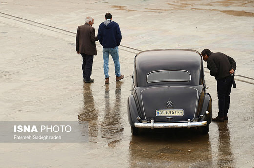 نمایش خودروهای کلاسیک در اصفهان