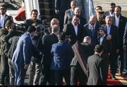 استقبال با لباس کردی از برهم صالح در فرودگاه مهرآباد!/ عکس