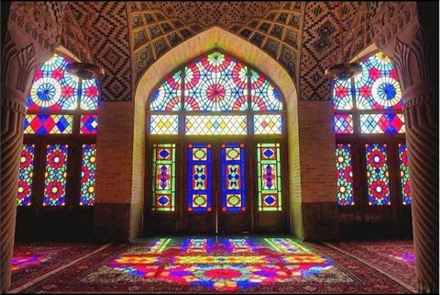 جهانگرد آمریکایی: تمام ایرانیها مهربان و مهمان نواز هستند اما چیز متفاوتی درباره مردم شیراز هست که حتی بیشتر از دیگر مردم ایران ویژه هستند که در کلماتم نمیگنجد