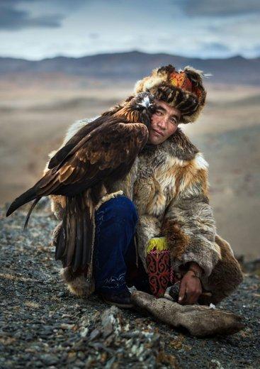 شکار با عقاب در مغولستان