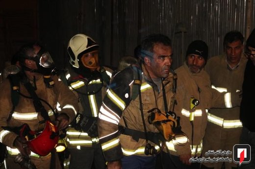 آتش سوزی ساختمان اداری تجاری در خیابان فرشته