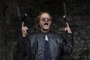 بازیگران مسلح روی پوستر «قانون مورفی» رامبد جوان/ عکس