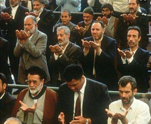 عکس | محمد علی کلی در صف نماز جمعه تهران