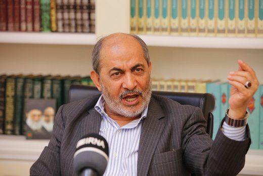 رفیقدوست در برنامه زنده به احمدینژاد صفر داد و از کیروش دفاعکرد