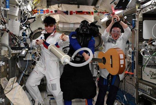 خدمه ایستگاه فضایی بینالمللی