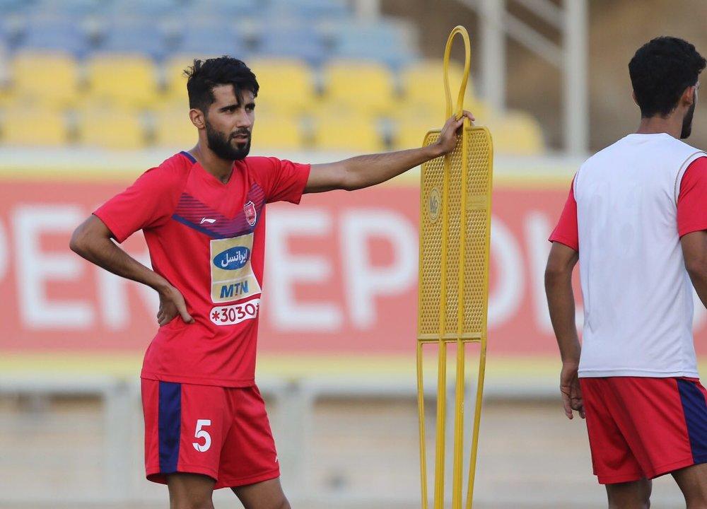 Persepolis Midfielder Bashar Resan Undergoes Surgery