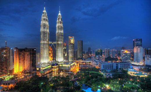 برجهای دوقلوی پتروناس در شهر کوالالامپور مالزی