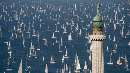 مسابقه قایقرانی در شهر تریسته ایتالیا