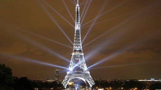 فستیوال نور در برج ایفل پاریس