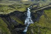 عکس | همسایگی آبشار و آتشفشان در عکس روز نشنال جئوگرافیک
