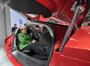 علاقه عجیب ولادیمیر پوتین به انواع خودروها/ عکس