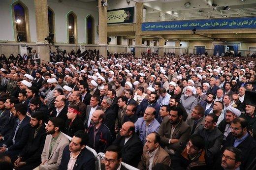 دیدار مسئولان نظام و میهمانان کنفرانس وحدت اسلامى با رهبر معظم انقلاب اسلامی