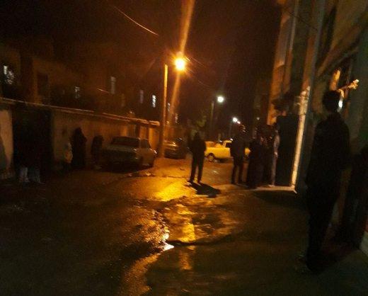زلزله بسیاری از مردم کرمانشاه را به کوچه و خیابانها کشاند