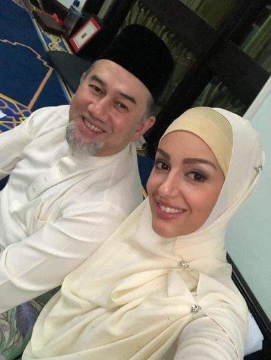 دختر شایسته مسکو که 25 سال دارد برای ازدواج با پادشاه مالزی به دین اسلام روی آورد