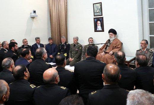 دیدار جمعی از فرماندهان و مسئولان نیروی دریایی ارتش با رهبر معظم انقلاب اسلامی