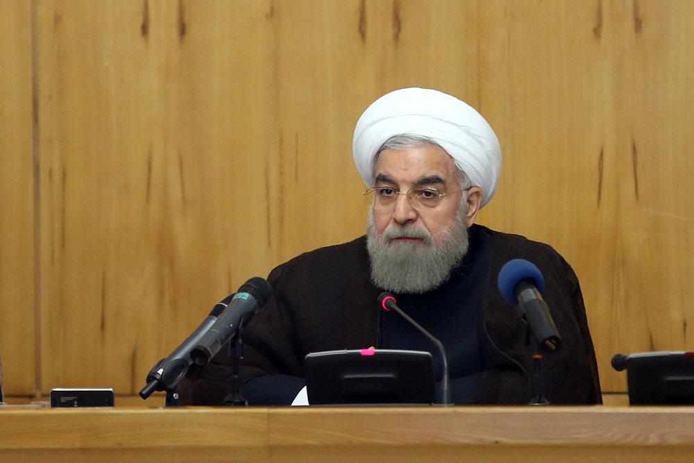 روحانی: برخی کشورهای نفتخیز منطقه حامیان مالی تروریستها هستند