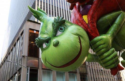 مراسم رژه عروسک های بالونی در منهتن نیویورک