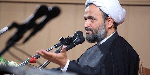 پناهیان: یک امام جمعه نشان دهید مانند پیامبر پای کار آمده باشد/ با اصطلاحات کاذب اصلاحطلب و اصولگرا ما را سر کار گذاشتند