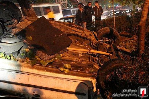 تصادف پژو206 با درخت در بزرگراه آیتالله سعیدی