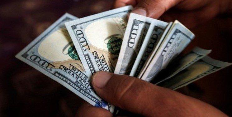 نرخ دلار در بودجه سال اینده 5700 تومان تعیین شده است