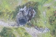 کشف یک غار بزرگ در کانادا