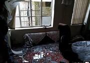عکس   خسارت وارد شده به خانهای در نزدیکی محل حمله تروریستی چابهار