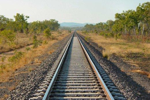 آخرین حلقه راهآهن غرب کشور تکمیل میشود