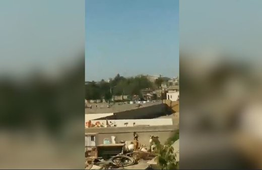 فیلم | صدای تیراندازی در اطراف محل حادثه چابهار