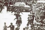 عکس | سال ۱۳۴۰، تظاهرات معلمان در اعتراض به حقوقشان در میدان بهارستان