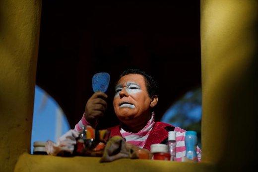 گریم دلقکها در جشن روز جهانی سیرک در السالوادور