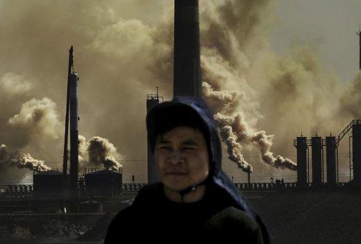 حمل زغال سنگ و سنگ آهک با واگ روباز قطار که باعث ایجاد گرد و غبار شده و برای ساکنان منطقه مضر است
