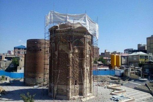 ساختوساز غیرقانونی در حریم گنبدهای تاریخی مراغه/ کمیسیون اصل ۹۰ وارد ماجرا شد