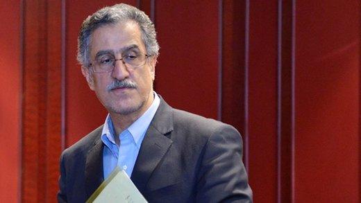 تاکید رئیس اتاق بازرگانی تهران بر توقف بررسی و لایحه قانون تجارت/ ۱۵۰ هزار میلیارد تومان از سپردههای بلندمدت کم شد